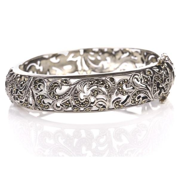 bracelets, bangles, silver, white gold, platinum, diamond, jewelry, gemstones